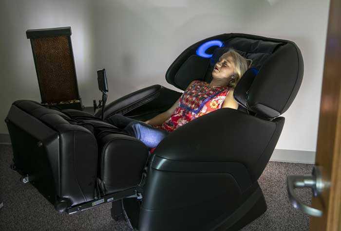 با جدیدترین امکانات صندلی ماساژور حرفه ای آشنا شوید 2