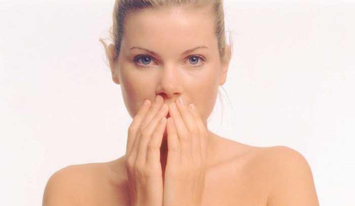 4 تکنیک ماساژ صورت برای جوان سازی پوست صورت 1
