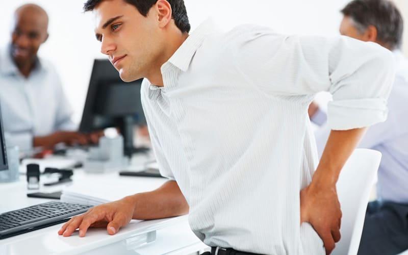 تاثیر شگفت انگیز ماساژ برای کارمندان و افرادی که زیاد پشت میز و لپ تاپ هستند 3