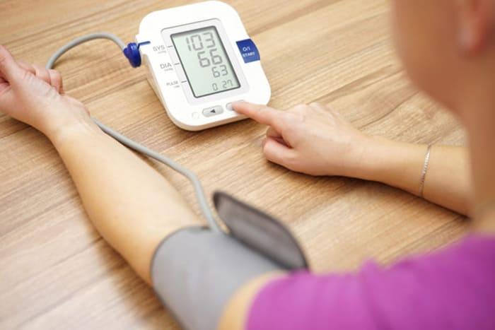 فشار خون و آشنایی با عملکردهای دستگاه فشار سنج 2