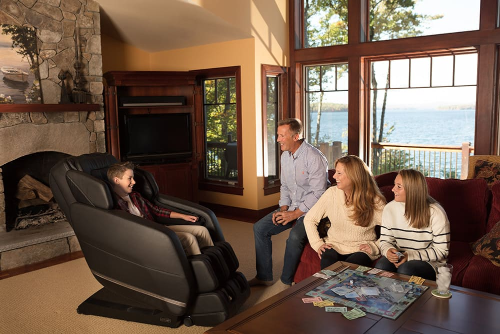 شما عاشق این دو وسیله خواهید شد  صندلی ماساژور و تردمیل در خانه3
