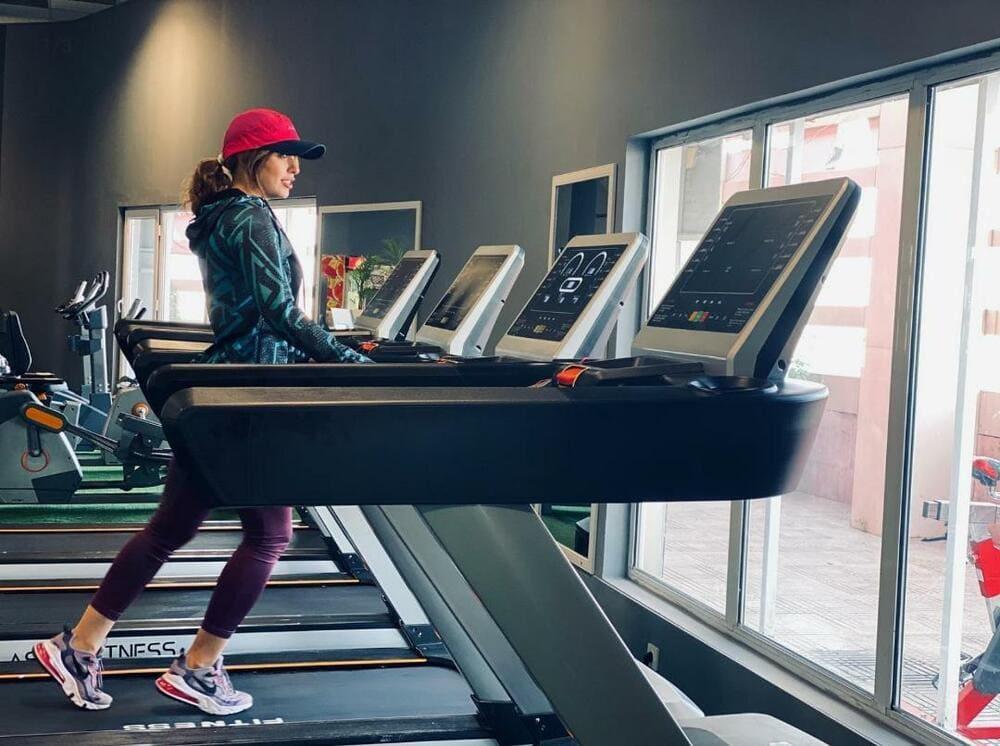 تردمیل باشگاهی دی اف تی DFT Fitness 9300 1